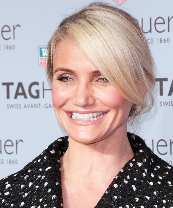 Cameron Diaz shows off her neutral-toned makeup on the red carpet