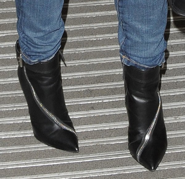 Kylie Minogue's feet in Giuseppe Zanotti booties