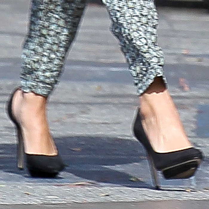 Selena Gomez Zara dOrsay pumps 2