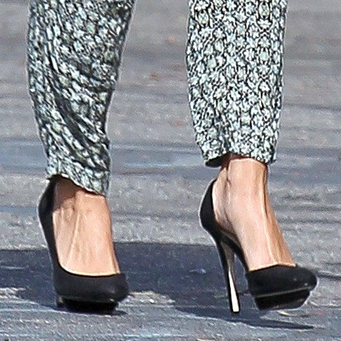 Selena Gomez Zara dOrsay pumps 3