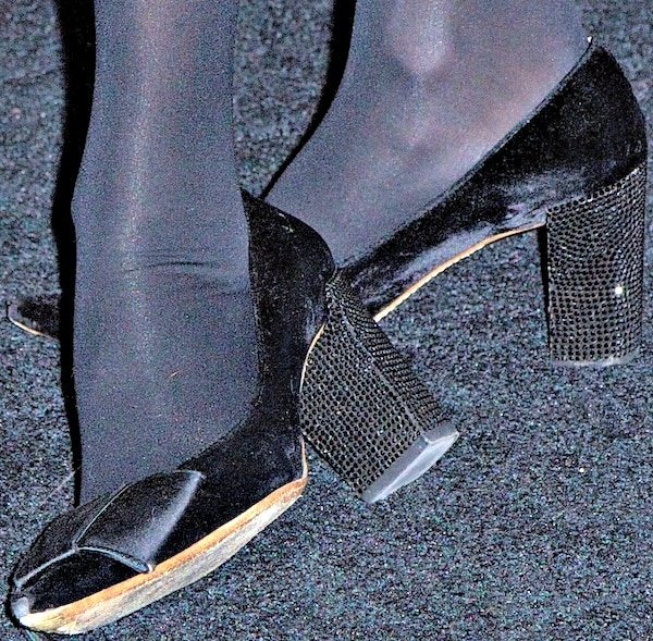 """Alexa Chung inbow-accented """"Beauty"""" pumps in black velvet and satin from Louis Vuitton"""