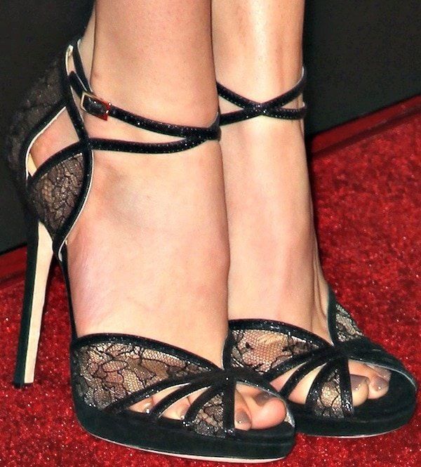 """Bella Thorne's""""Fitch"""" sandals in black from Jimmy Choo"""