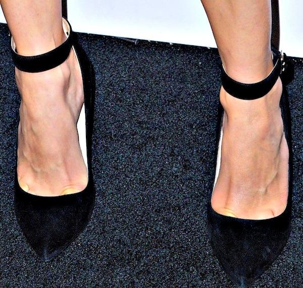 Diane Kruger's ankle-strap pumps in black suede