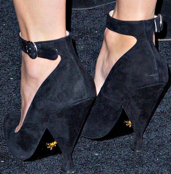 Diane Kruger's black suede heels