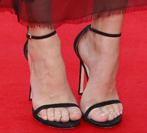 Diane Kruger's sexy feet in Nudist sandals