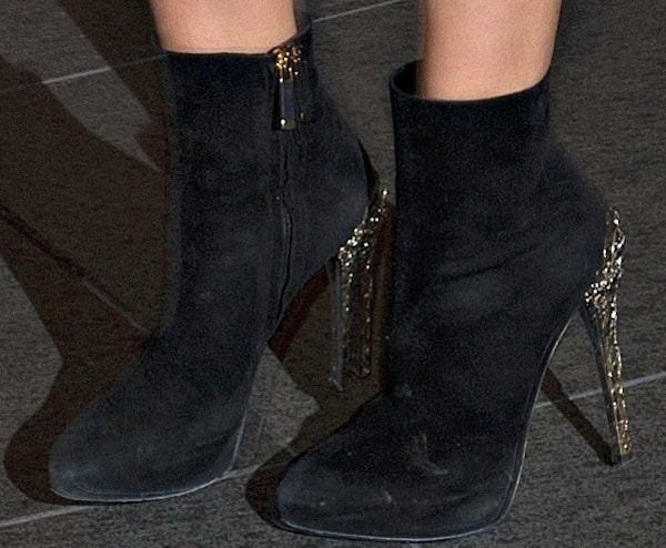 Kimberley's ankle boots provided a sexy edge to her ultra-feminine look