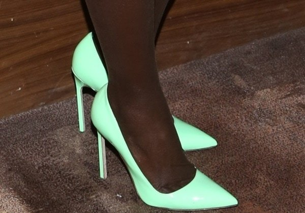 Lupita Nyong'o wearing pumps from Manolo Blahnik