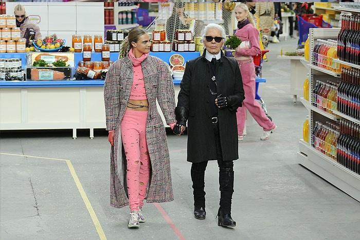 Cara Delevingne Kar Lagerfeld Chanel fall 2014