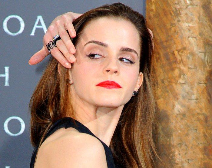 "Emma Watson wears bright red lipstick to the German premiere of ""Noah"""