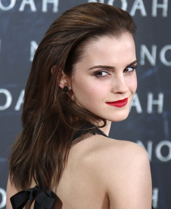 """Emma Watson wears her brown hair down at the premiere of """"Noah"""""""