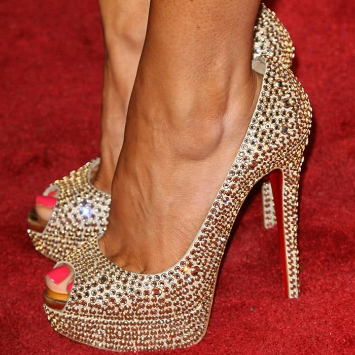 Gretchen Rossi shows off her sexy feet in Christian Louboutin heels