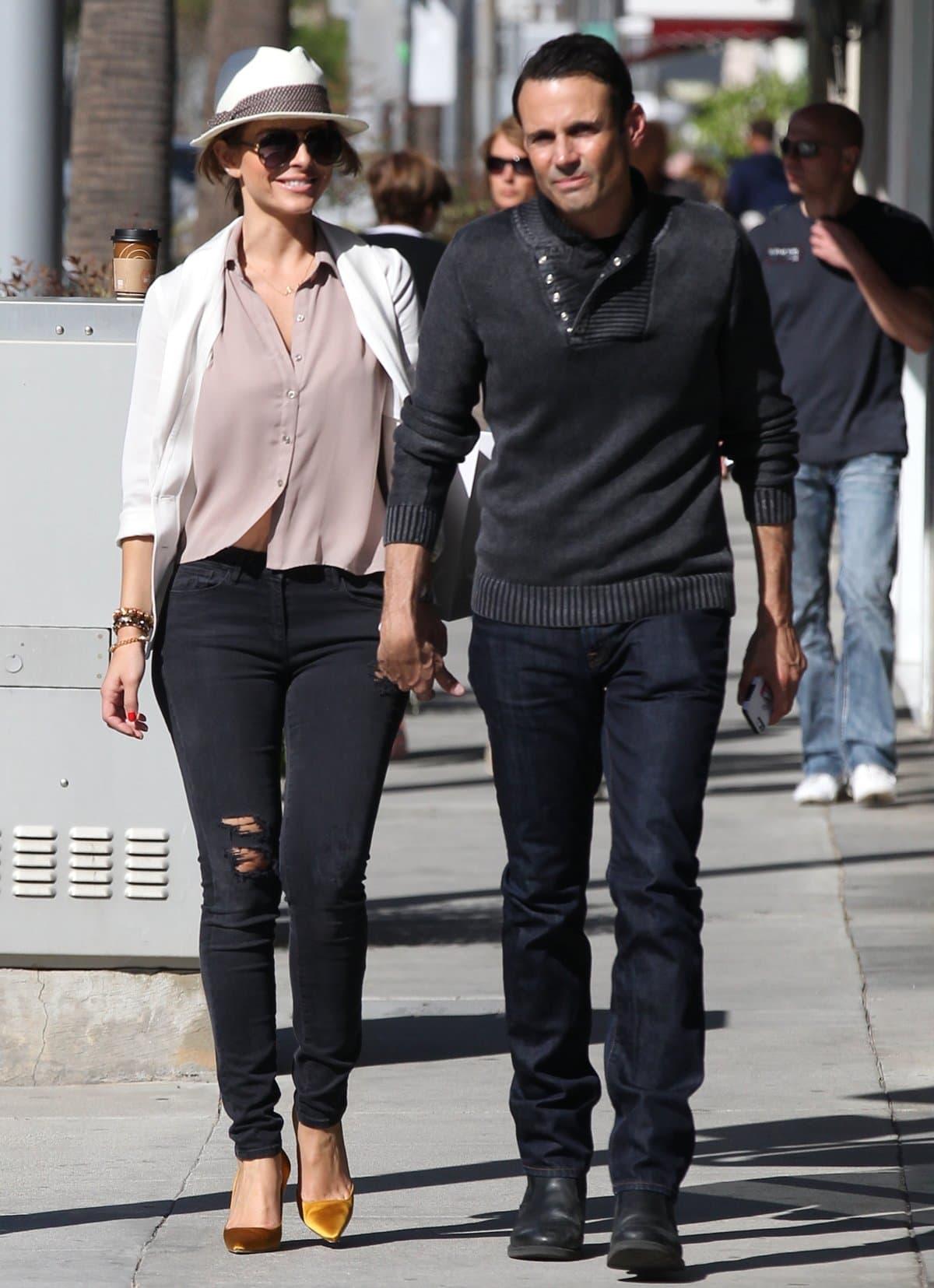 Maria Menounos and her boyfriend Keven Undergaro strolling in Beverly Hills