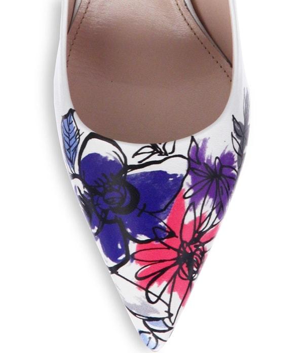Miu Miu Blue Painted Flower toe Leather Pumps Detail