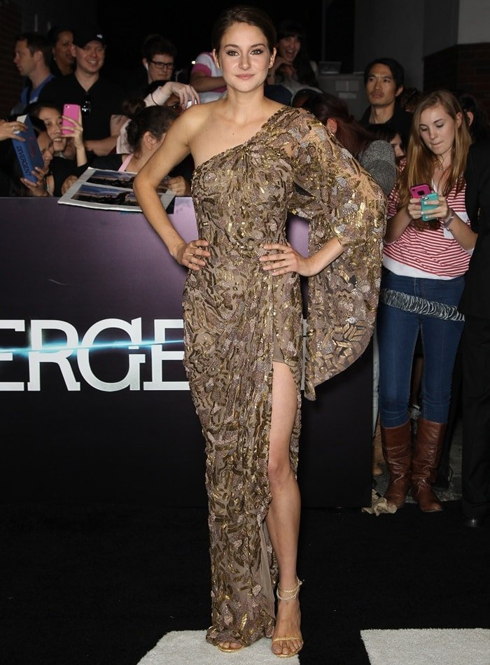 Shailene Woodley in a beautiful bronze gown from Elie Saab's Autumn/Winter 2010 Haute Couture collection