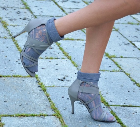 Cristina Surdu wearing the socks-and-sandals look