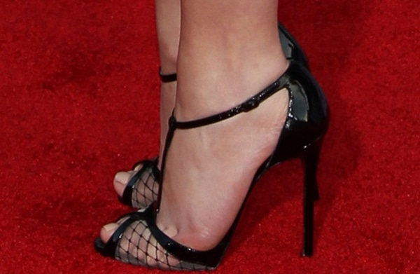"""Emily VanCamp shows off her feet in t-strap """"Lagoula"""" pumps from Christian Louboutin"""