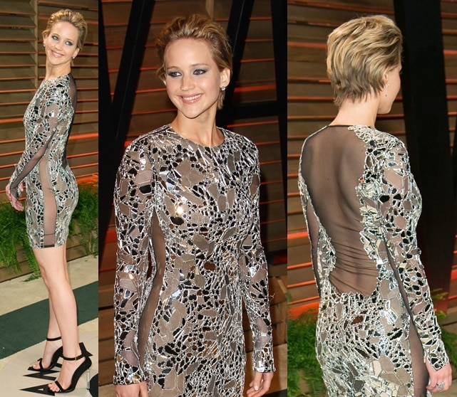 Jennifer complemented the outfit with dark eye makeup for a sultry look; to pull everything together, she slipped into a pair of stunning ankle-strap sandals, also from Tom Ford