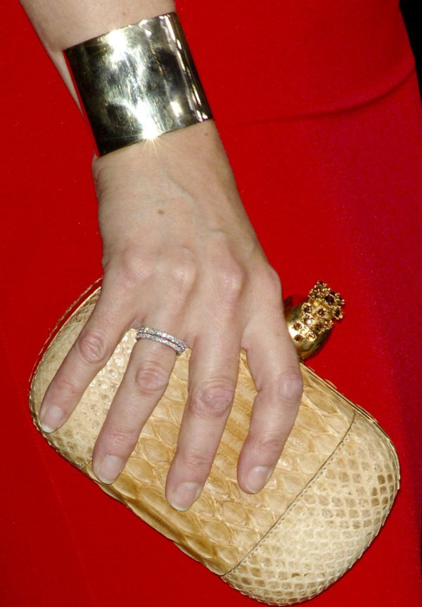 Kate Winslet's nude punk skull clutch from Alexander McQueen