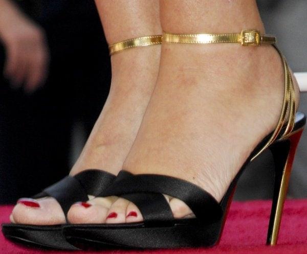 Kate Winslet wearing Roger Vivier shoes