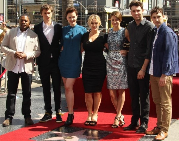 Kate Winslet getting some love and support from Shailene Woodley, Kathy Bates, and the cast of 'Divergent'