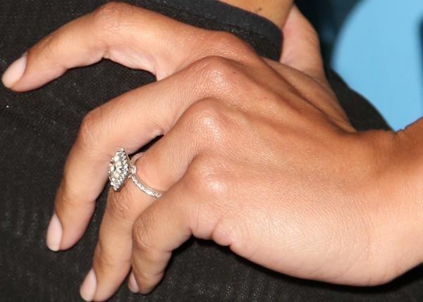 Naya Rivera flashed her diamond engagement ring from rapper Big Sean