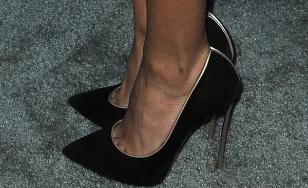 Naya Rivera'sblack suede pumps from Casadei