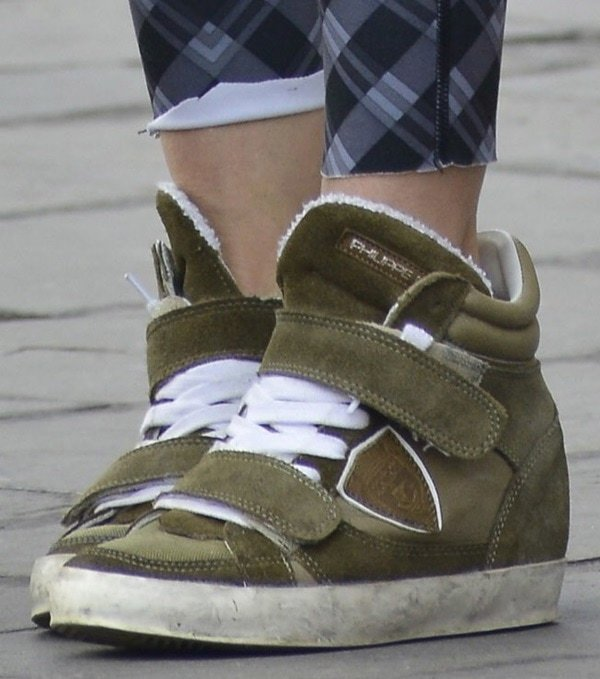 Sarah Jessica Parker wearing sneakers by Philippe Model