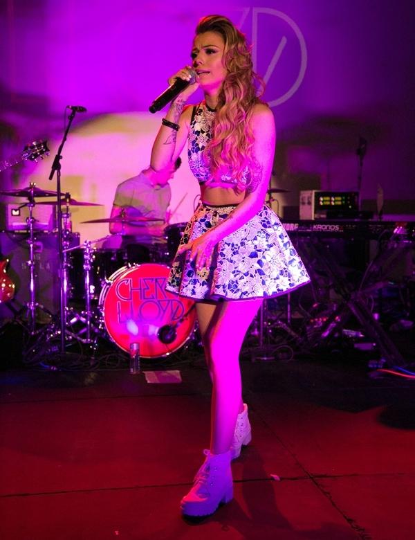 Cher Lloyd Hollywood Rocks Performance2