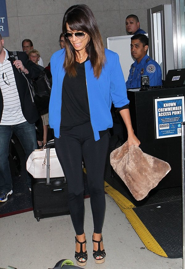Eva Longoria was spotted arriving at the Los Angeles International Airport in a comfy and casual ensemble.