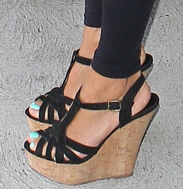 Eva Longoria wearing Steve Madden wedge sandals