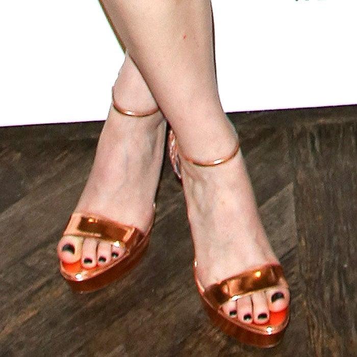 Kate Mara rocking Rupert Sanderson Rosanna sandals