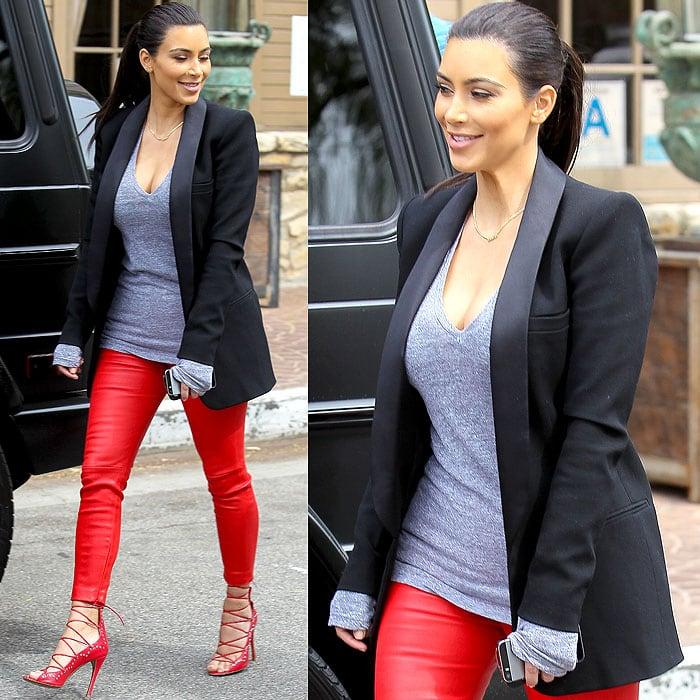 Kim Kardashian arriving at the Villa restaurant of Woodland Hills in Topanga, California, on April 25, 2014