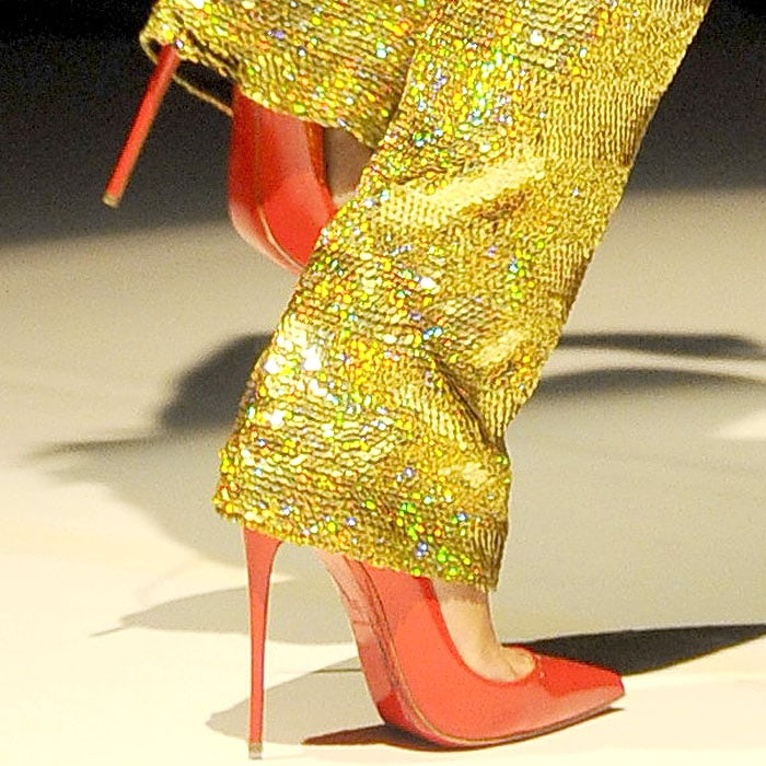 """Lily Allen's Christian Louboutin """"So Kate"""" pumps in red patent"""