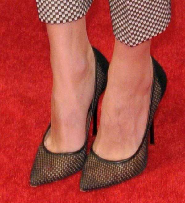 Olivia Palermo's Marilyn Monroe–inspired mesh pumps