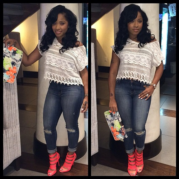 Toya Wright's sexy cropped lace top and torn cropped jeans