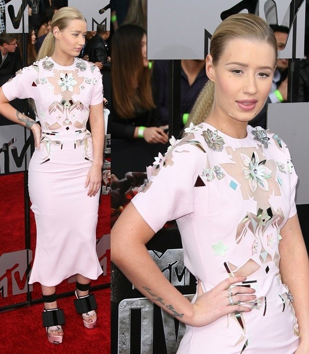 Iggy Azalea finishing her light pink John Galliano dress with platform wedges from the same collection for the 2014 MTV Movie Awards in Los Angeles on April 13, 2014
