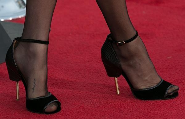 Amanda Seyfried wearing Givenchy sandals