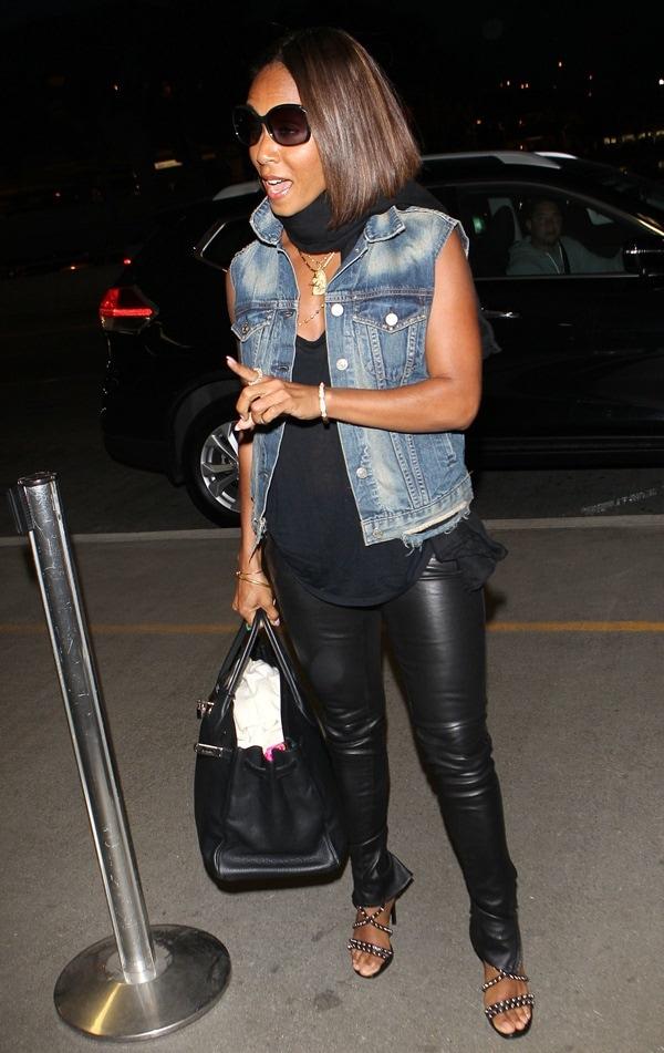 Jada Pinkett Smith arriving at Los Angeles Airport (LAX ) on May 7, 2014
