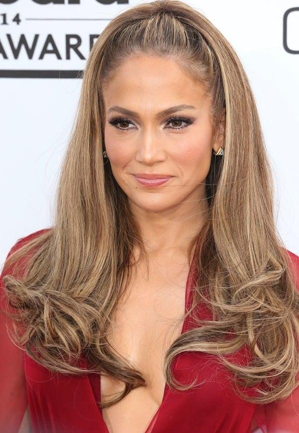 Jennifer Lopez's sexy dress features a deep plunge neckline