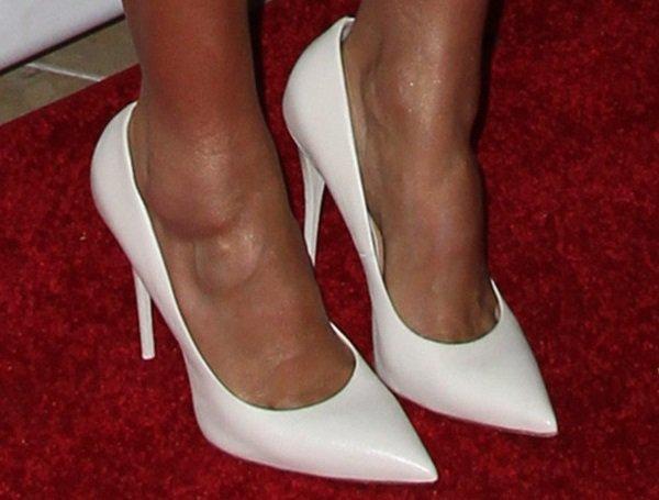 Jessica Alba'swhite Giuseppe Zanotti leather pointy-toe pumps