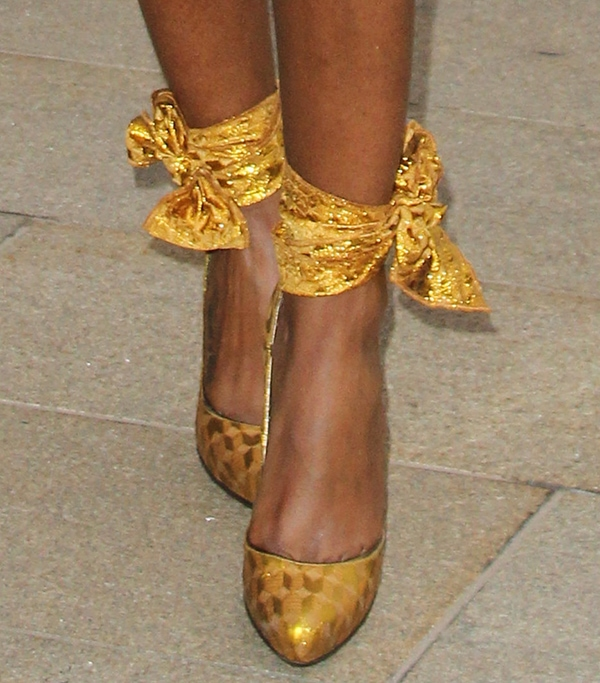 Kelly Rowland wearing Lanvin Spring 2014 pumps