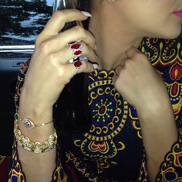Khloé Kardashian shows off her Cartier and Lorraine Schwartz bracelets and rings