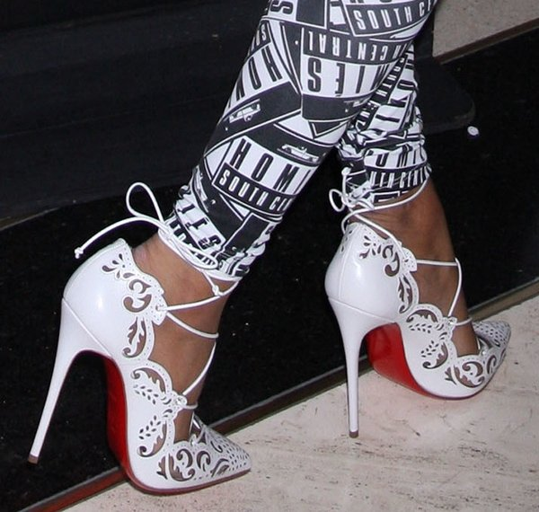 d59eb7d96f98 Nicki Minaj wearing the white version of the Christian Louboutin Impera  pumps
