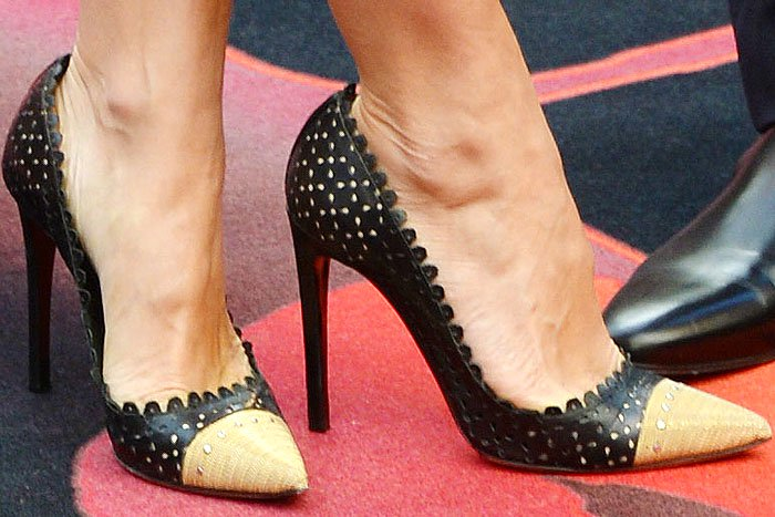Sam Taylor-Wood insexy Tabitha Simmons Dalia eyelet pumps with bondage-style gold chains covering the toe caps
