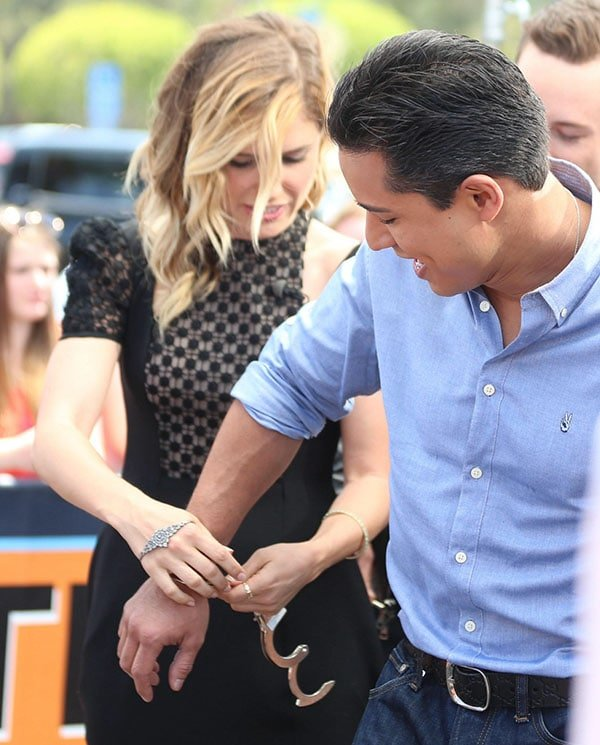 Sophia Bush and Jesse Lee Soffer appear on Extra