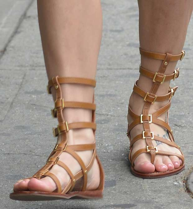 Ashley Greene shows off her sexy feet in Tory Burch sandals