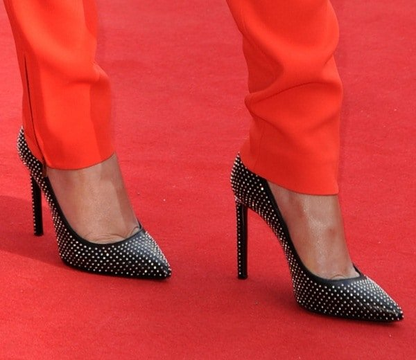 Cheryl Cole's feet in studded pointy-toe heels