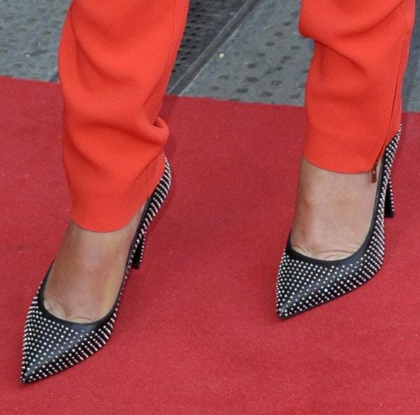 Cheryl Cole's toe cleavage inSaint Laurent 'Paris' studded pumps