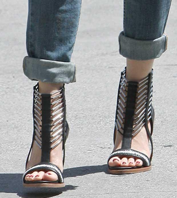 Gwen-Stefani-LAMB-Sandals
