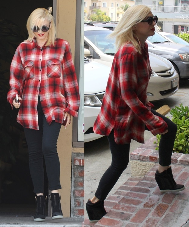 Gwen Stefani looked amazing in black jeans paired with a red plaid shirt